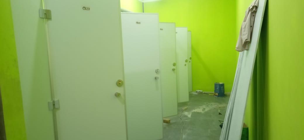 pemasangan cubicle toilet asrama haji surabaya
